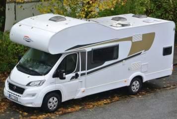 Wohnmobil mieten in Hamburg von privat | Carado AugustDerStarke