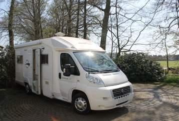 Wohnmobil mieten in Volkel von privat | Fiat Ducato TopCamperen2