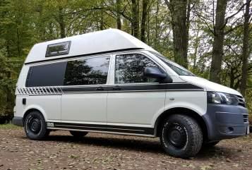 Wohnmobil mieten in Ingolstadt von privat | VW T5  Allrad Bus 4Motion  AnnaVan