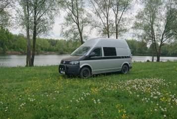 Wohnmobil mieten in Ingolstadt von privat | VW  T5 - Offroad Camper AnnaVan