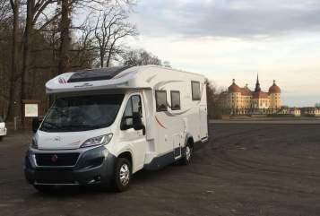 Wohnmobil mieten in Döbeln von privat | Roller Team  Max