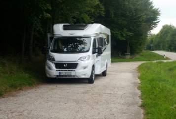 Wohnmobil mieten in Mistelbach von privat | Carado Theo