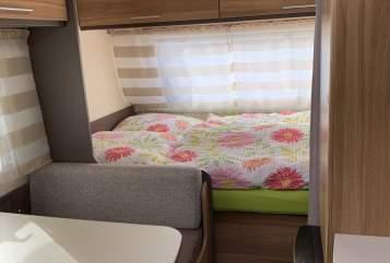 Wohnmobil mieten in Erharting von privat | Caravelair  Peani