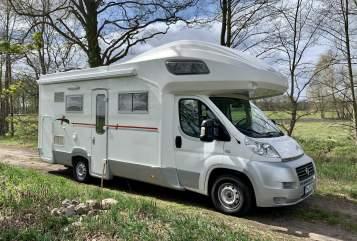 Wohnmobil mieten in Nuthetal von privat | Roller Team Miss Sunshine