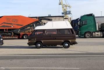 Wohnmobil mieten in Berlin von privat | VW The Beast