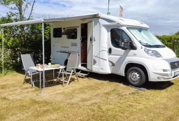 Wohnmobil mieten in Königswinter von privat | Weinsberg  Happiness