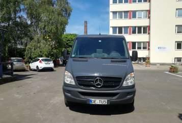Wohnmobil mieten in Köln von privat | Mercedes Benz Chris