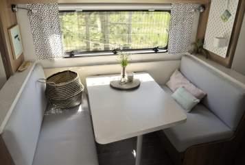 Wohnmobil mieten in Rellingen von privat | Hobby WILLA