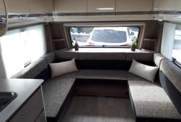 Wohnmobil mieten in Meßstetten von privat | Fendt Luxus Camper
