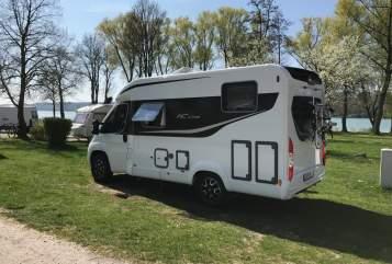 Wohnmobil mieten in Stuttgart von privat | Büstner Travel Van 590