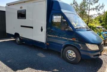 Wohnmobil mieten in Tilburg von privat | Mercedes 5* Hotelkamer