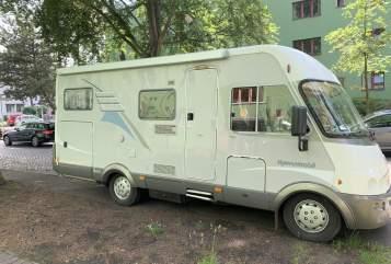 Wohnmobil mieten in Berlin von privat | Hymer Kleiner Onkel