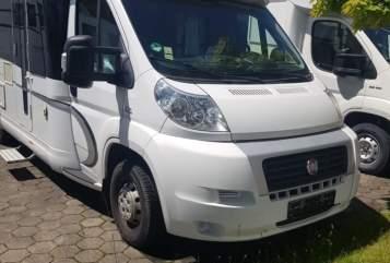 Wohnmobil mieten in Haldensleben von privat | HOBBY ComfortMobil