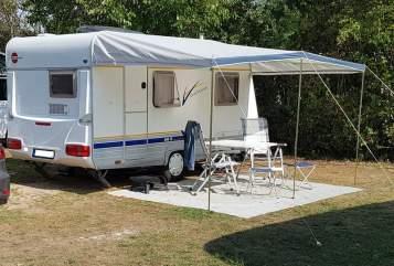 Wohnmobil mieten in Ansbach von privat | Bürstner Tom's Wohnwagen