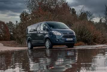 Wohnmobil mieten in Sauerlach von privat | Ford Custom STEALTH MUPII
