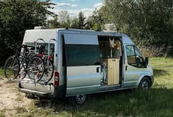 Wohnmobil mieten in Hamburg von privat   Ford Holzausbau 2020