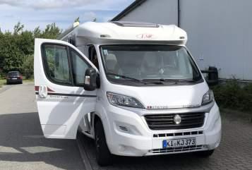 Wohnmobil mieten in Altenholz von privat | LMC Sporty