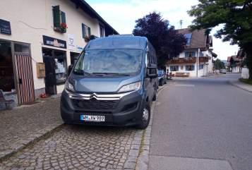 Wohnmobil mieten in Huglfing von privat | RoadCar Hektor