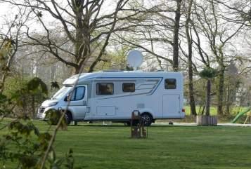 Wohnmobil mieten in Oberhausen von privat | Hymer Tramp Fred