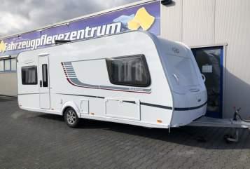 Wohnmobil mieten in Aachen von privat | LMC Luciano