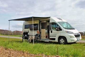 Wohnmobil mieten in Bad Oeynhausen von privat | Adria Adria Twin 640