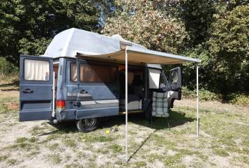 Wohnmobil mieten in Bonn von privat | Mercedes  MB100 Luna