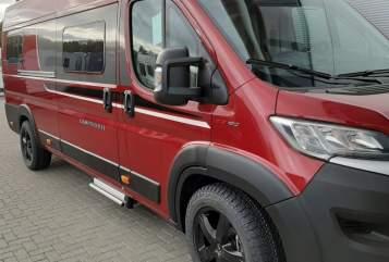 Wohnmobil mieten in Warburg von privat | Globecar The Red Snuggle