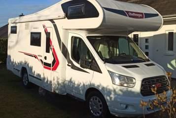 Wohnmobil mieten in Ratzeburg von privat | Challenger Womo