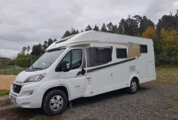 Wohnmobil mieten in Bidingen von privat   Carado Maxi**