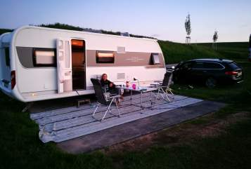Wohnmobil mieten in Erlangen von privat | Hobby BigWohni