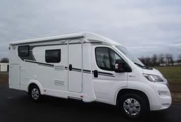 Wohnmobil mieten in Nederweert von privat   Carado 2 persoons luxe
