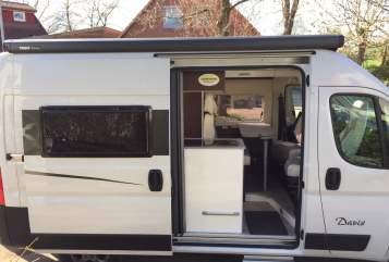 Wohnmobil mieten in Ahrensburg von privat | Karmann Little Hilton
