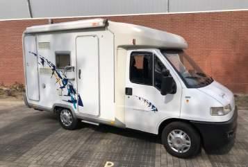 Wohnmobil mieten in Capelle aan den IJssel von privat | Detlheffs Dethleffs Bus