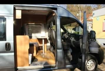 Wohnmobil mieten in Freiburg im Breisgau von privat | Pössl Pössl 2Win