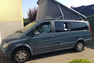 Wohnmobil mieten in Köln von privat | Mercedes  Manni (der rollende Luxusbus)