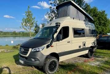 Wohnmobil mieten in Stuttgart von privat | Hymer Freedom 8088