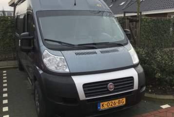 Wohnmobil mieten in Zevenhuizen von privat | Pössl Fun4Four