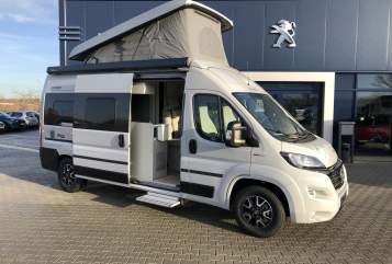 Wohnmobil mieten in Schkeuditz von privat | Hymercar Timon