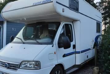 Wohnmobil mieten in Borgstedt von privat | Eura Mobil Eura Activa