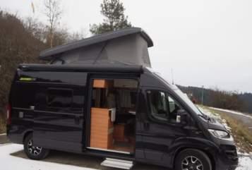 Wohnmobil mieten in Dornhan von privat   Hymer Blackpearl