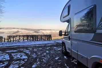 Wohnmobil mieten in Neu-Isenburg von privat | Knaus  Nilü