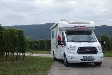 Wohnmobil mieten in Senftenberg von privat | Challenger Murckel