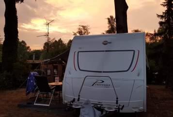 Wohnmobil mieten in Oldenburg von privat | Bürstner Neuer Familiencamper mit 7 Schlafplätzen besonders für große Leute
