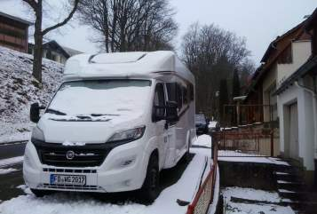 Wohnmobil mieten in Gersfeld (Rhön) von privat | Carado carni