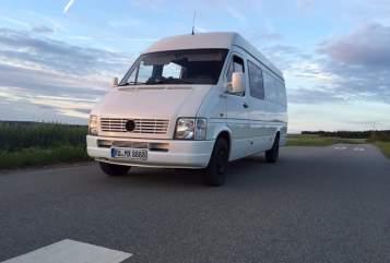 Wohnmobil mieten in Unterwellenborn von privat | Volkswagen LT 35 Sprinter 2,5 TDI Wohnmobil Motorradtransporter Heckgarage