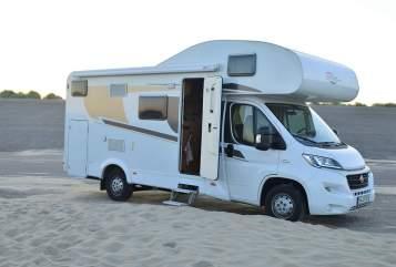 Wohnmobil mieten in Köln von privat | Fiat Ducato Emma - Carado  (A361)