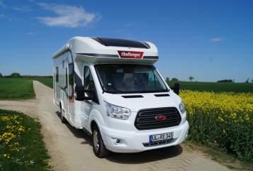 Wohnmobil mieten in Ehingen (Donau) von privat | Challenger Familycamper