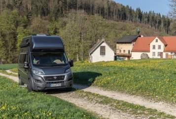 Wohnmobil mieten in Heuthen von privat | Weinsberg KNUT