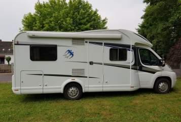 Wohnmobil mieten in Beckingen von privat | Knaus Skywave