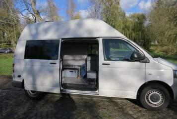 Wohnmobil mieten in Rostock von privat   VW T5 Hochdachbulli